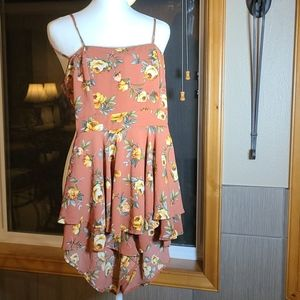 Lovely Day Womans Rust Floral Romper Small